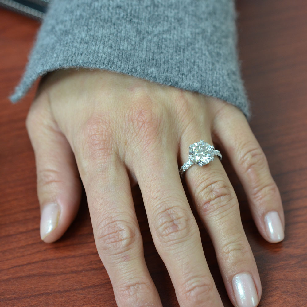 women now have so much to choose from among a variety of jewelry at nyc jewelry stores - Wedding Ring Stores