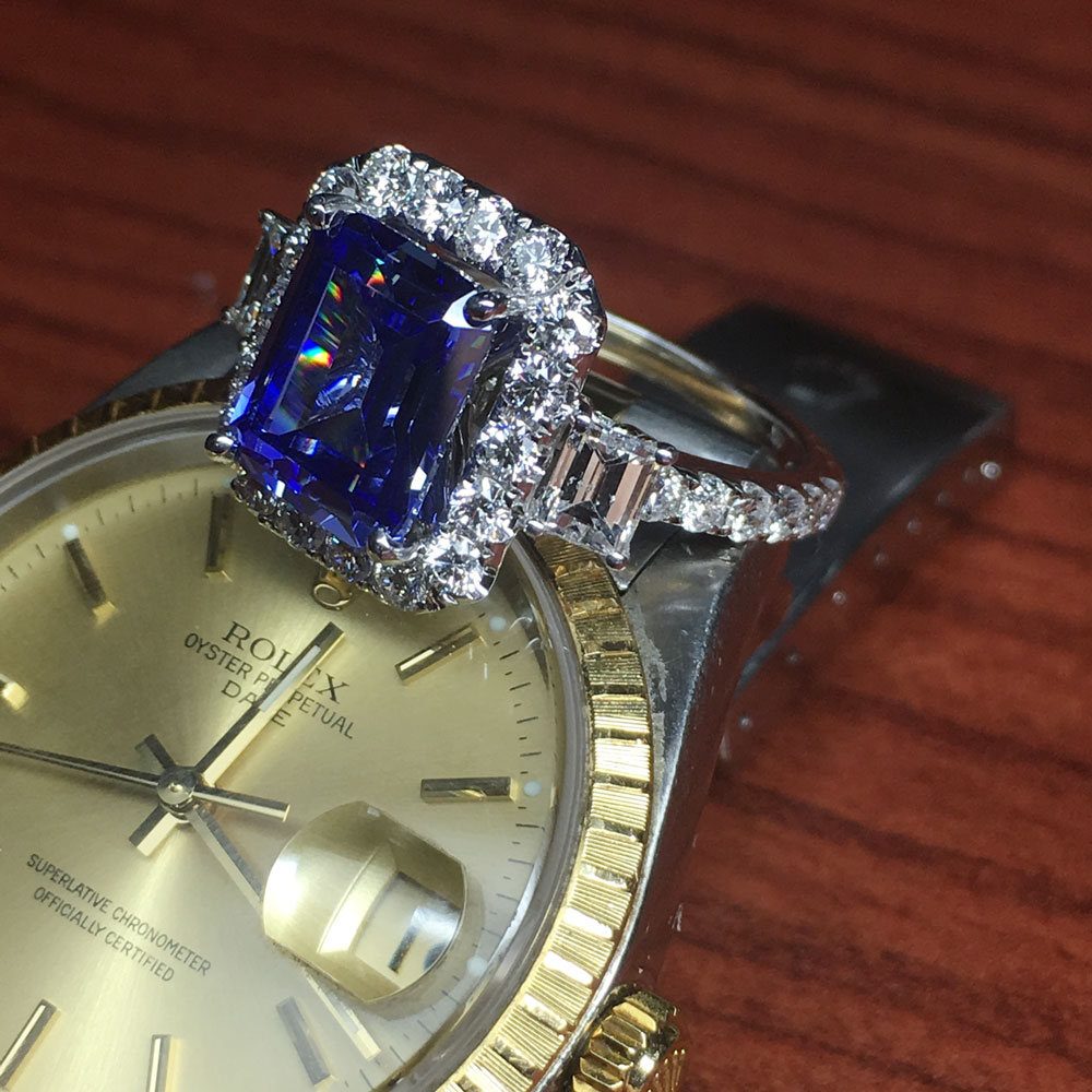 Best jewelry stores in nyc the place to find diamond jewelry for Antique jewelry stores nyc